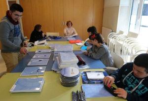 Gamesa Gearbox participa en la donación de material para la formación de personas con discapacidad intelectual Atzegi